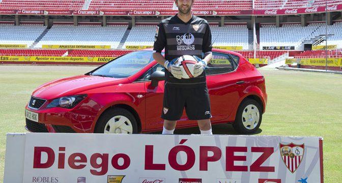 Entrevista al portero del Sevilla FC Diego López