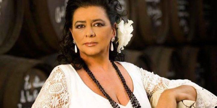 María del Monte, cantante de copla y sevillanas