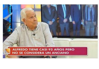 Alfredo Otero en La Tarde de Canal Sur TV en el homenaje del Día Internacional de las Personas Mayores